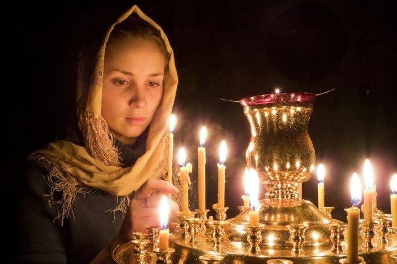 Молитва при свечах Даниилу Московскому