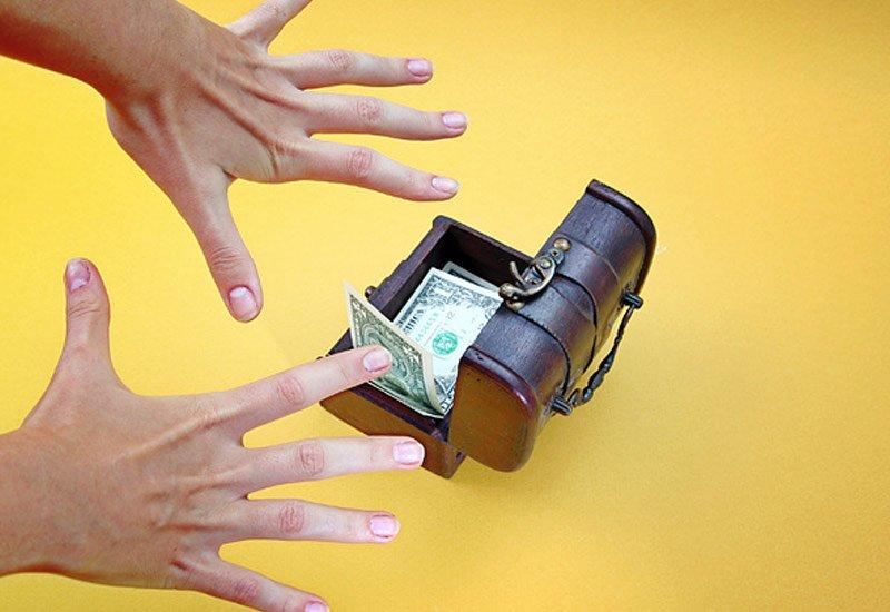Заговоры и ритуалы на новолуние на деньги