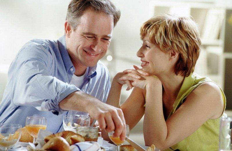 Как читать заговор на любовь мужа на соль?
