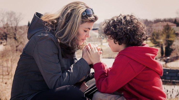 Молиться о выздоровлении детей