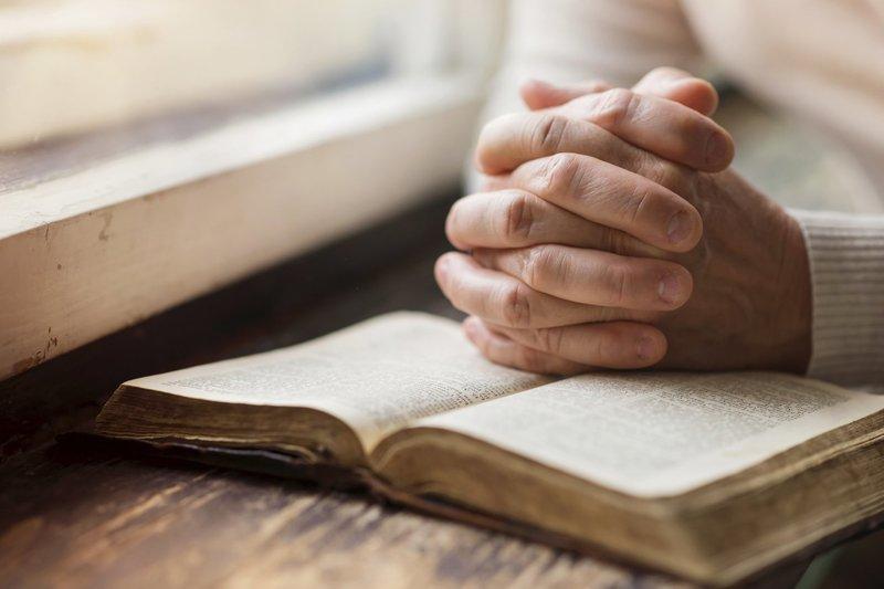 Помогающие всем и всегда молебствия