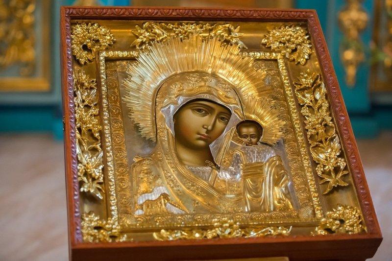 Моление Божьей Матери о здоровье ребёнка
