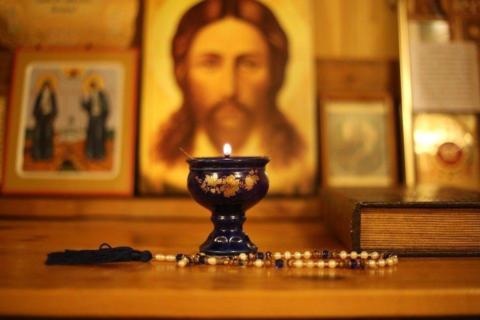 Правила чтения молитвы от бесов