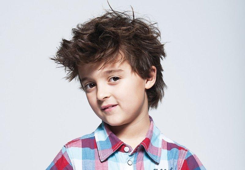 Модельная стрижка для мальчиков 12 лет - фото