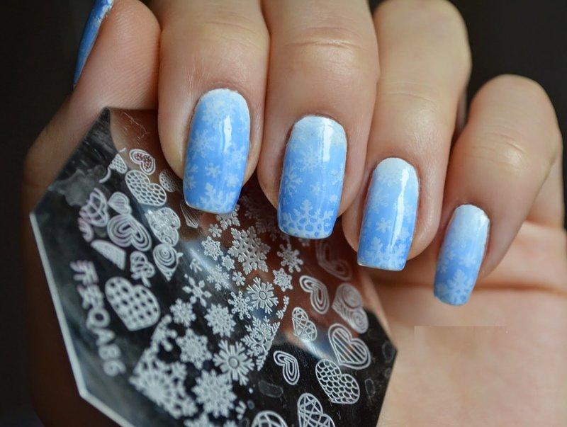 Зимний дизайн со снежинками