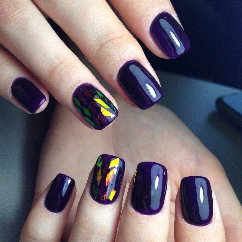 Битое стекло на фиолетовой базе