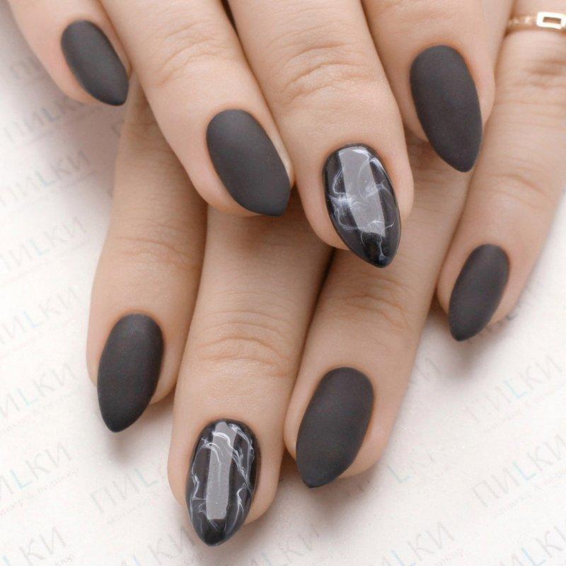 Матовый лак и мрамор на ногтях