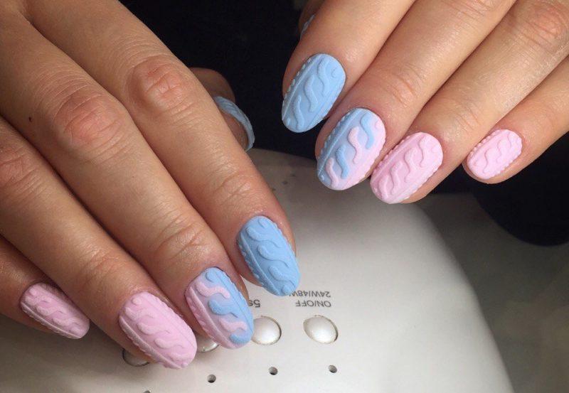 Розово-голубой дизайн ногтей