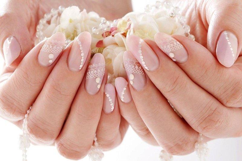 Нежно-розовый свадебный дизайн с точками и кружевом