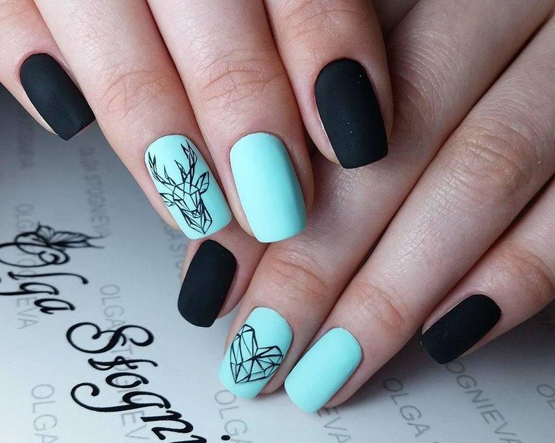 Геометрические олени на ногтях