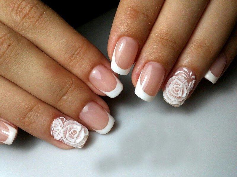 Свадебный френч с объёмными белыми розами