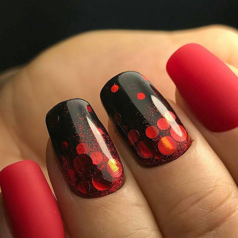 Чёрно-красный новогодний камифубуки