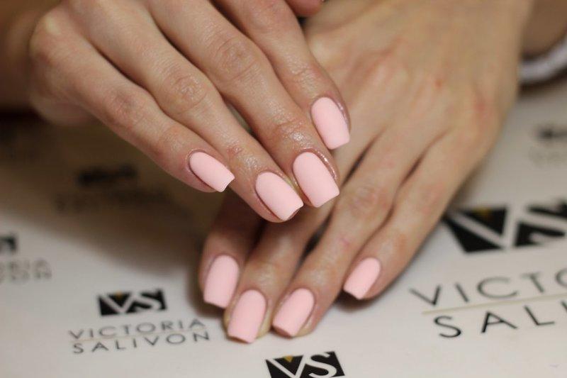 Минималистический розовый матовый дизайн