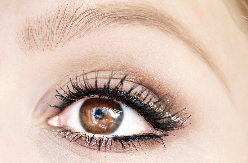 Ретро макияж со стрелками для карих глаз