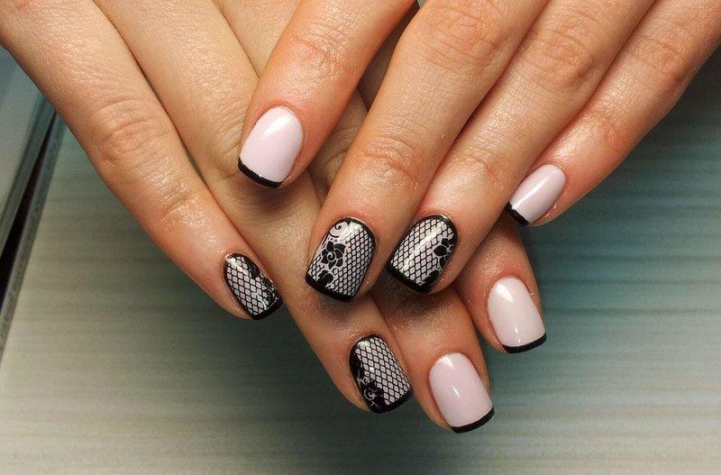Розовые ногти с чёрным френчем и узорами