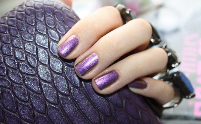 Пурпурный лак-хамелеон