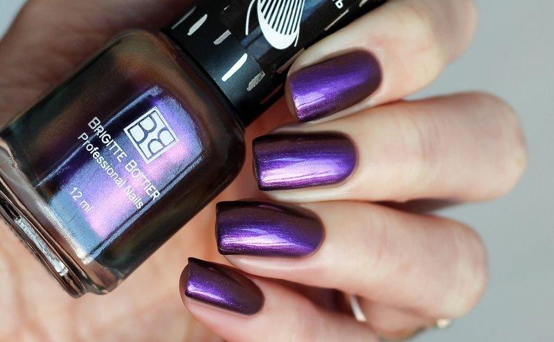 Фиолетовый маникюр хамелеон