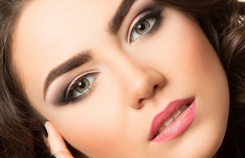 Макияж для брюнеток с зелёными глазами