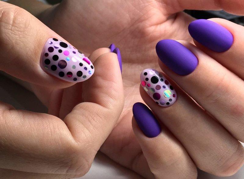 Фиолетовые ногти с камифибуками