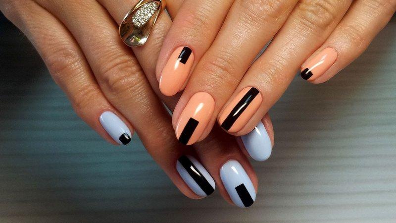 Геометрия на нежных ногтях