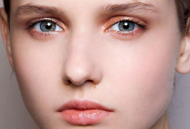 Персиковый макияж для работы