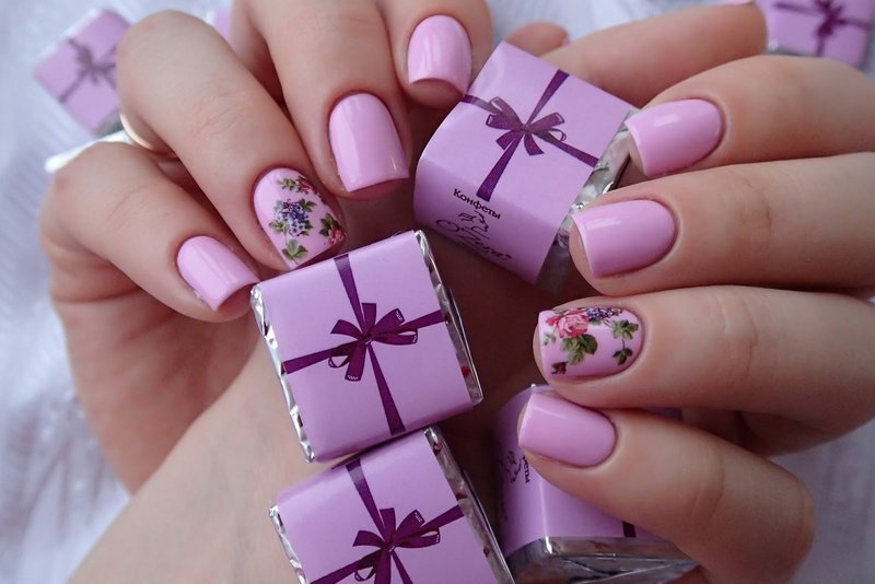 Сиреневые ногти со слайдом