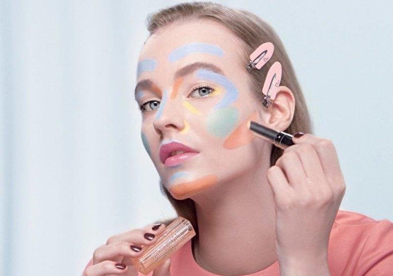Зональное нанесение цветных консилеров на лицо