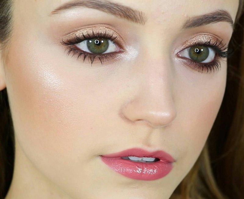 Персиковый макияж для зелёных глаз