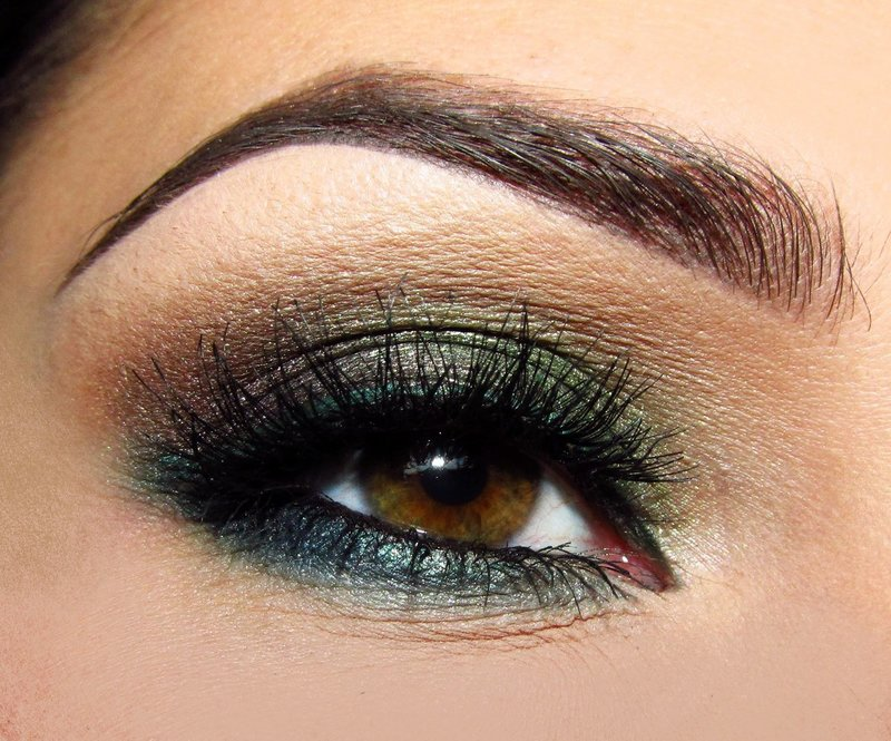 Вечерний зелёный макияж для зелёных глаз