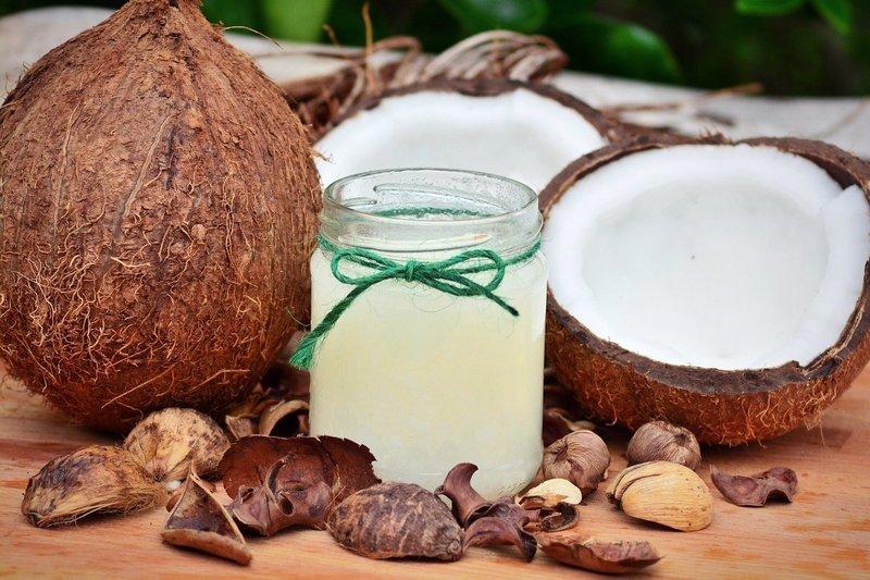 Кокосовое масло в составе косметических средств