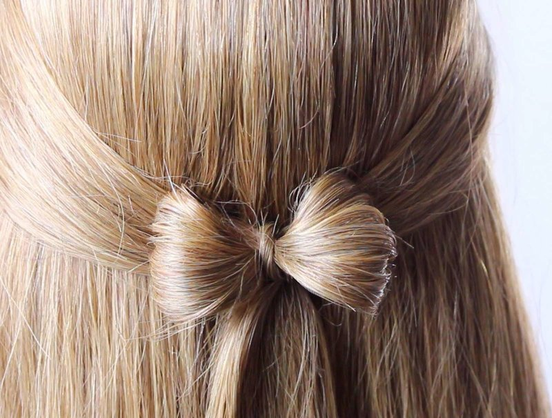 Аккуратный бантик из волос для новогодней вечеринки