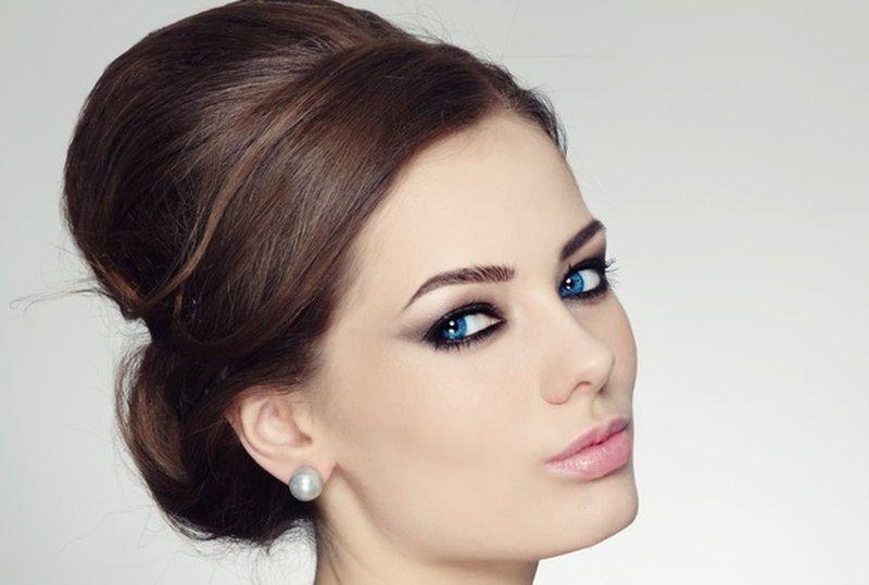 Нежный вечерний макияж для брюнеток