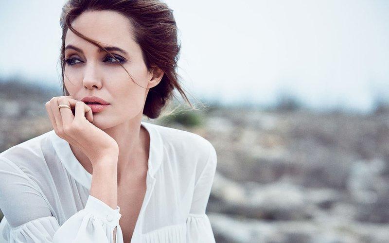 Естественная красота Анджелины Джоли