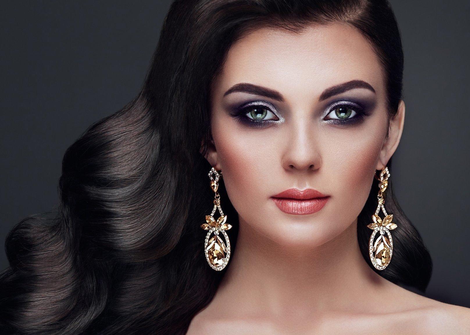 Макияж для брюнеток - фото и видео. Как сделать красивый макияж для брюнеток пошагово