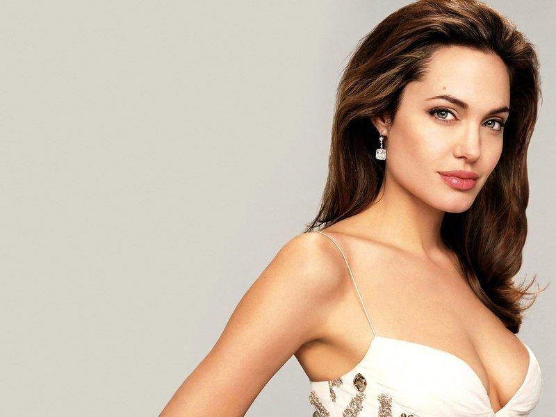 Анджелина Джоли: вечерний макияж