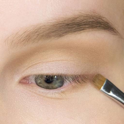 Пошаговый макияж со стрелками и тенями