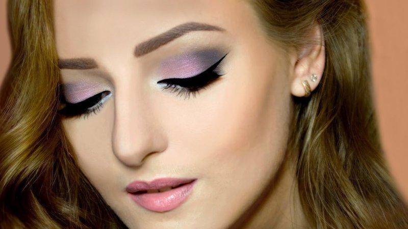 При нанесении яркого макияжа используются насыщенные тона