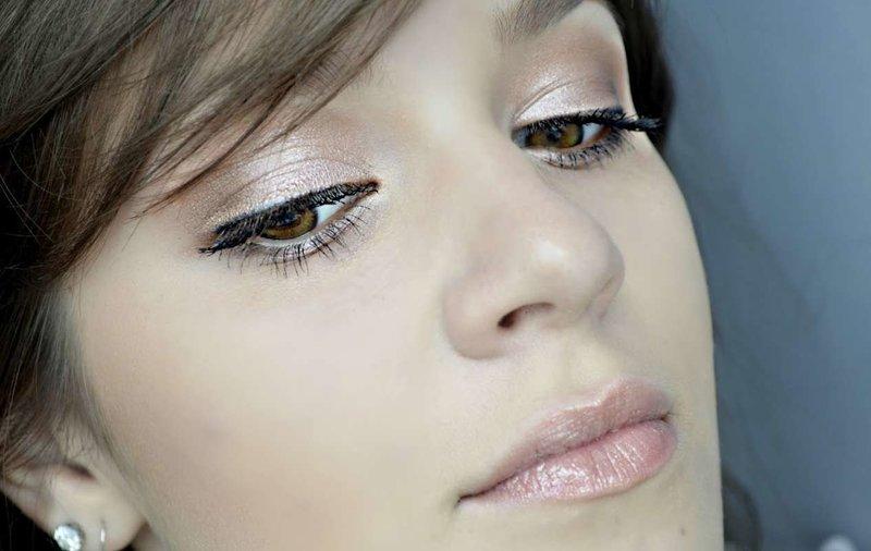 Яркий макияж для обладательниц карих глаз