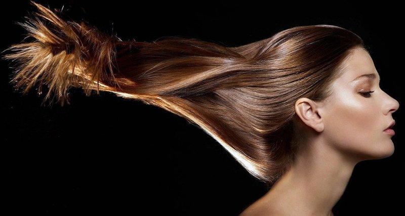 Касторовое масло используют для укрепления волос