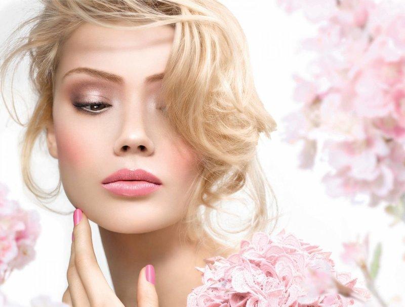 Нежно-розовый макияж