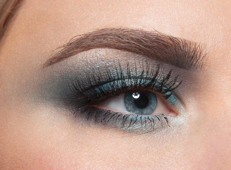 Насыщенный макияж для голубых глаз