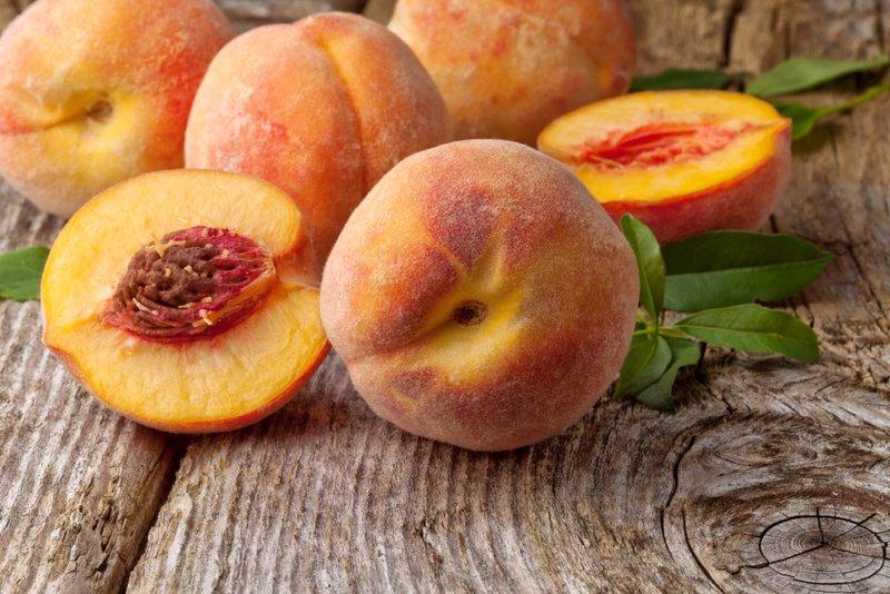Маска с персиком питает локоны необходимыми витаминами