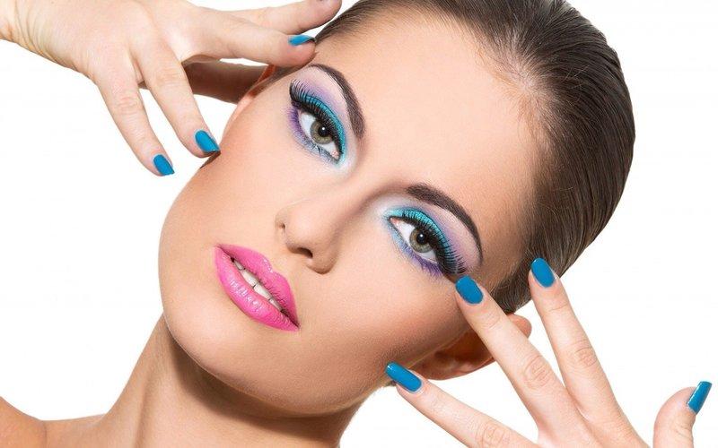 Горизонтальная техника макияжа