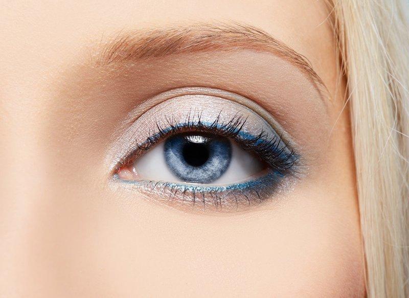 Нежный вечерний макияж для голубых глаз