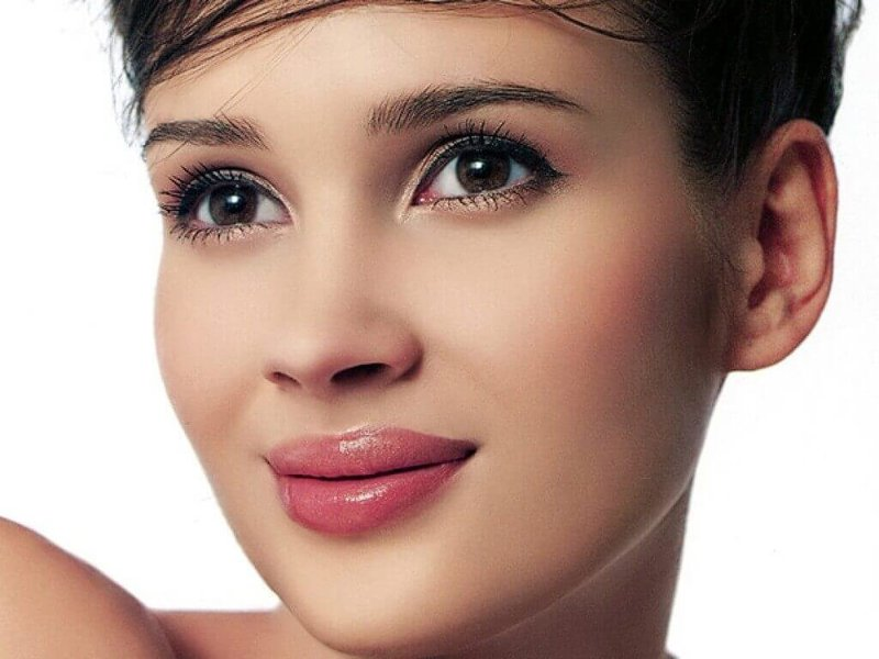 Свадебный макияж для брюнеток с карими глазами