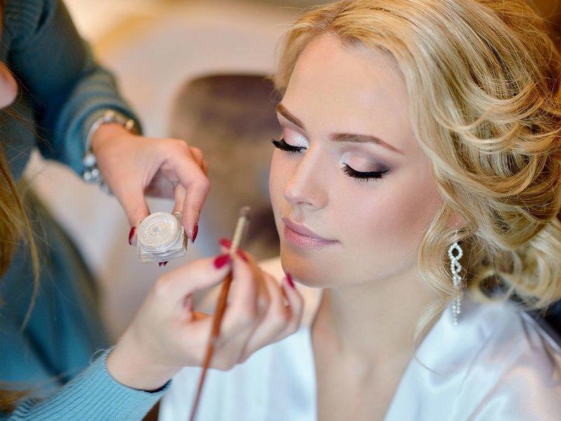 Пошаговое нанесение свадебного макияжа