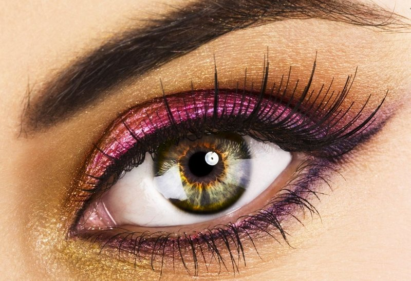 Пурпурно-жёлтый макияж для зелёных глаз
