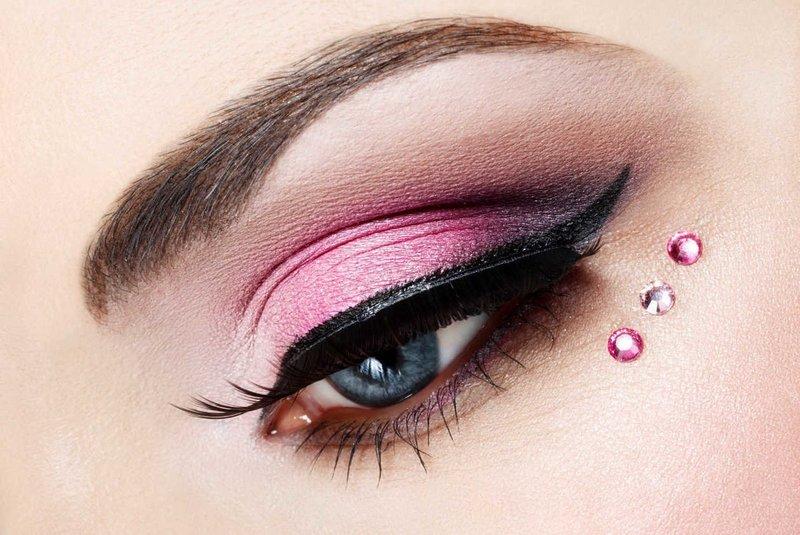 """""""Кошачий глаз"""" в розовых тонах со стразами"""