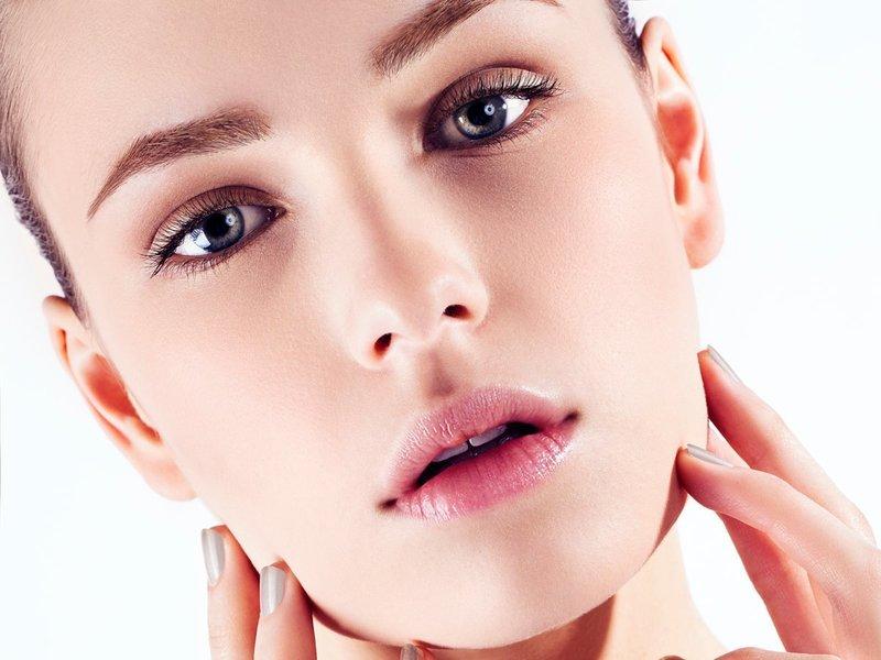 Нюдовый макияж для серых глаз