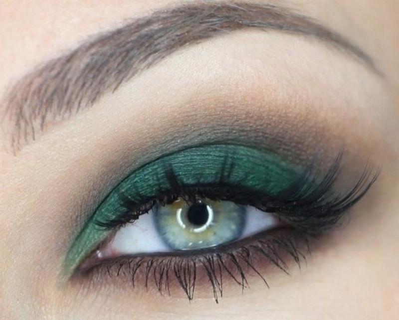 Зелено-коричневый макияж
